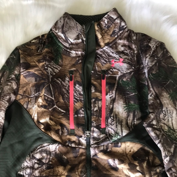 d6a2c5eb8626c Under Armour Jackets & Coats   Semi Fitted Realtree Camo Jacket ...